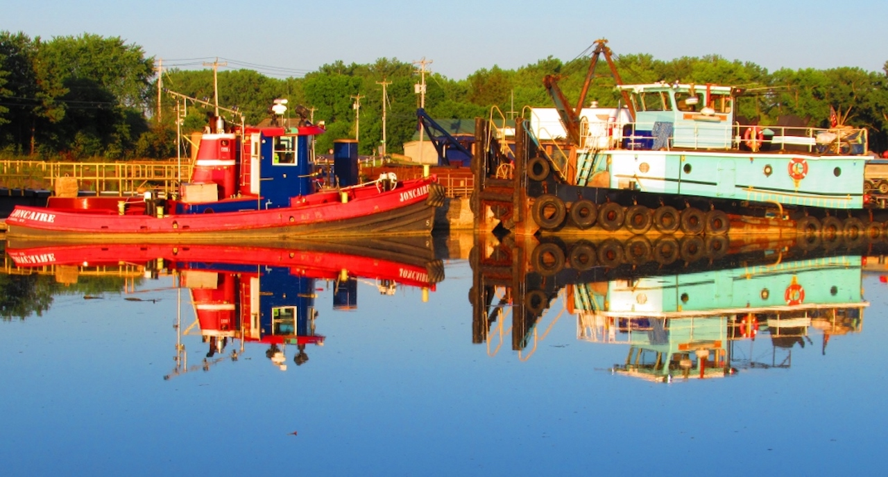 Tugboat in the Erie (photo)